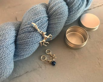 Horses in ble stitch marker set knitting