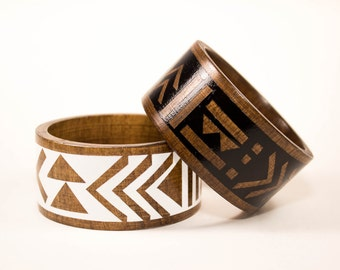 Mudcloth Bangle/ Wide Wood Bracelet/ S-XL/ Pattern/ Geometric Shapes/ Black and White