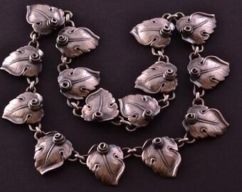 Silver Retro Candida Necklace (951k)