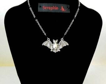 Little bat necklace with black stones