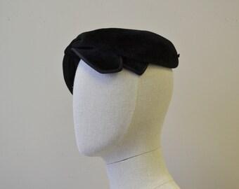 1950s Sheila Black Wool Bow Hat
