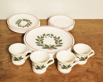 Vintage Taylor Smith Taylor Holiday Dishes - Setting for 4 - 16 Pieces