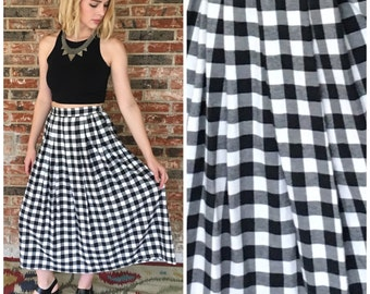 Vintage 80s B&W Checkered Soft Flannel Midi Skirt with Pockets