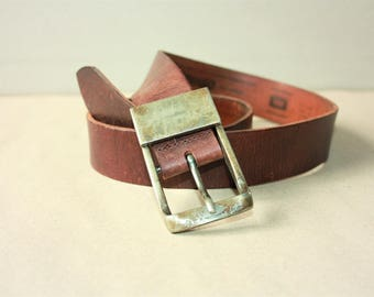 Vintage Brown Real Leather Belt with Solid Metal Belt Buckle...a Fashionista Statement Piece can fit for Size S /// M