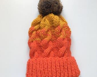 Twist hat with Pom Pom fur vitamin