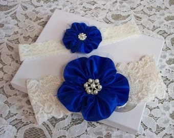 Wedding Garter Set, Royal Blue Lace Garter Set, Ivory Lace Garter with Royal Blue Flower, Ivory & Royal Blue Bridal Garter, Keepsake garter