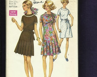1969  Simplicity 8602 Flapper Inspired Dresses with Bias Rolled Collar Size 12.5