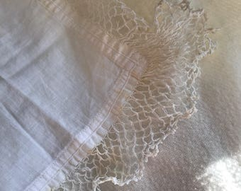 Small Lace Vintage Handeekerchief