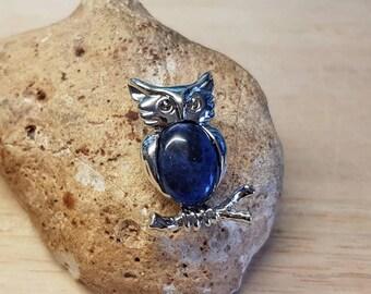 Blue Sodalite owl brooch. Reiki Jewelry uk. Semi precious stone