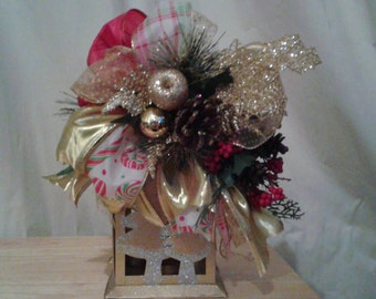 Holiday, Christmas, lantern, swag, lantern swag, gold, red, decoration,    door entry decor, Holiday table decor, centerpiece
