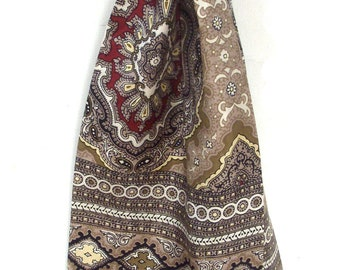 Vintage Italian silk cravat, circa 1960's-70's, unusual square ended style, paisley pattern , maroon ends