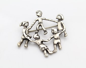 Children Ring around the Rosie STERLING SILVER Girls Boys Circle Brooch. [7058]