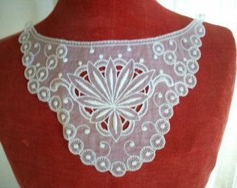 Antique feminine lace collar or organdy