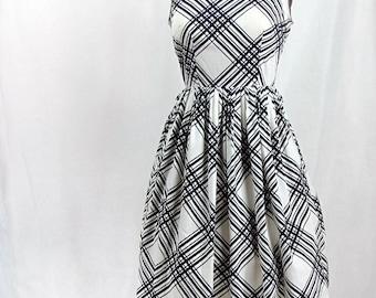Vintage 1950s Dress | Black and White | Cotton | Medium | Sleeveless | Summer Dress