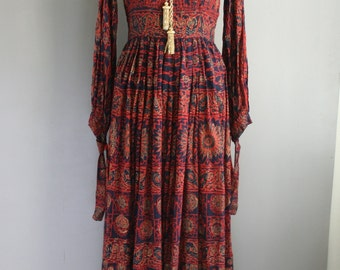 Maroon and Gold -Karavan - India Cotton - Hippie - Bohemian - 1970's Dead Stock - Never Worn - Gold Painted