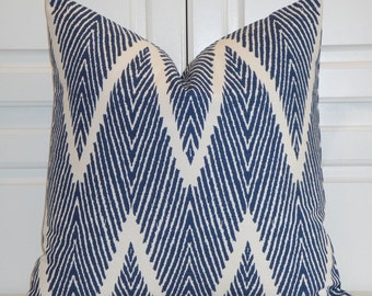 DOUBLE SIDED - Decorative Pillow Cover - Navy and White Chevron Print -  Zig Zag Pillow - Sofa Pillow - Geometric