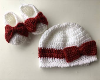 Baby clothes, Crochet booties, Booties and hat, Baby gift, Crochet baby hat, Handmade baby shoes, Christmas gift for baby, Baby shower gift