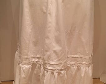 Antique Victorian Edwardian petticoat / cotton and lace underskirt