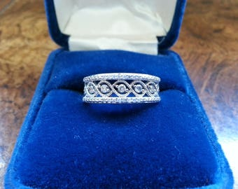 Vintage Diamond and Sterling Silver Ring - Size 7