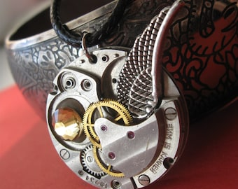 Steampunk necklace Steampunk wing jewelry Beautiful vintage Gothic jewelry Metalworks Steam punk Burning man Watch movement