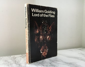 Lord of the Flies by William Golding (Vintage Trade Paperback)