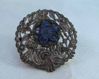 c1910-1920's Cast White Metal Victorian Brooch with Molded Resin Flower Center Brooch/Pendant