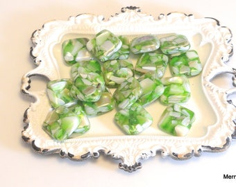 Green Puffed Mother of Pearl/Resin Beads