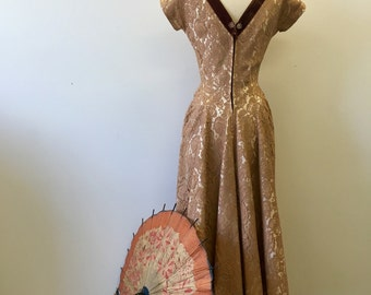 Formal taupe lace gown * Vintage 1940s evening dress * 40s lace & velvet v-neck party gown