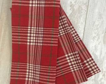 Christmas Plaid Napkin Set - Monogrammed Napkins - Personalized Napkins - Cloth Napkins - Hostess Gift - Christmas Gift