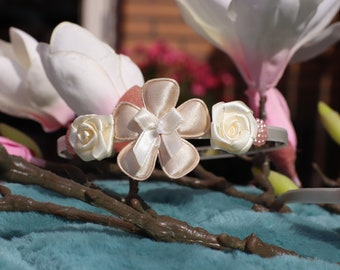 Headgear Boho Chic beige ribbon with flowers and bow and with art pearls
