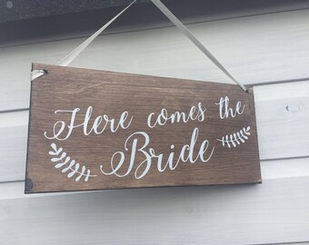 Here comes the Bride Sign, Wedding Sign, Rustic Sign