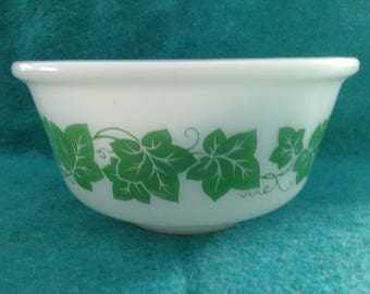 """Hazel Atlas White Glass Green Ivy 7"""" Mixing Bowl Middle Bowl From Set"""
