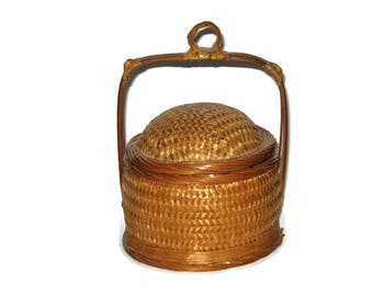 Vintage Wicker Covered Basket Handle Woven Lid Miniature Mini Country Farm House Trinket Box Dish 6 by 4.5 inches Cottage Chic Kitchen