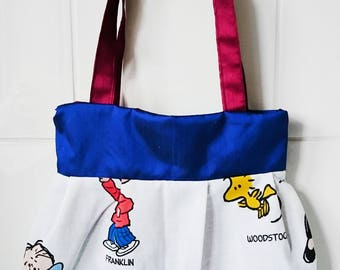Peanuts Snoopy woodstock charlie brown character handbag tote messenger bag