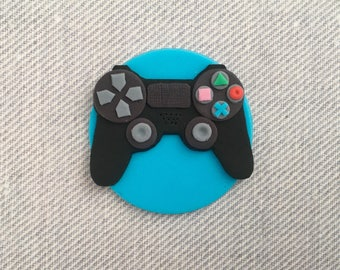12 PlayStation 4 game controller fondant cupcake toppers