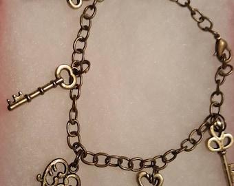 Multiple keys charm bracelet