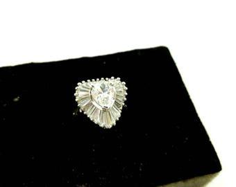 Elizabeth Taylor Ring  for Avon Midnight Romance  Cubic Zirconias rich setting Mint Condition original box 1996