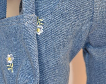 Daisy Flowers on Jeans for Your 18 inch Doll