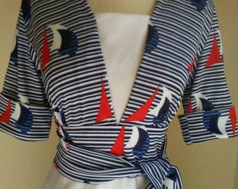1970s sailboat dress, red white blue dress, forth of July dress, a-line, three-quarter sleeves, wrap belt, small. medium