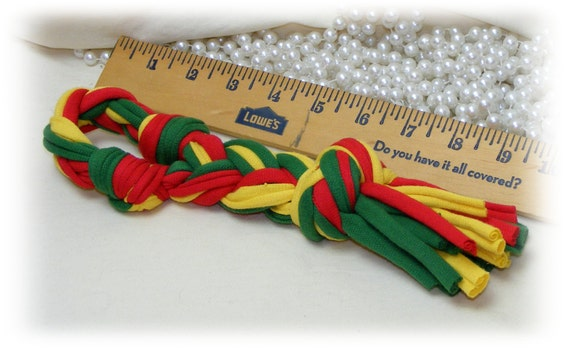 Loop TUG TOY . . DT221 red& green . . Small Medium or even Large Dog Toy