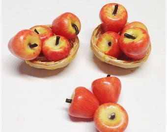 Basket apples