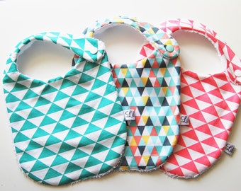 Baby bibs * set of 3 *, theme triangles