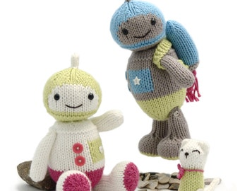 Spacebot Knitting Pattern, with Rocket Pack and Kittybot Friend