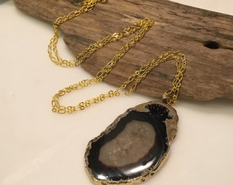 Black/Grey and Gold Agate Necklace, 22K Gold chain, Agate Stone Pendant Necklace, Boho Style Necklace, Long Agate Necklace