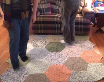 Busy Bee-crocheted rug