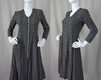 Black & White 90s Floral Dress | Vintage Swing Fit and Flare Dress | Small