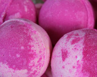 Raspberry Pear Bath Bomb