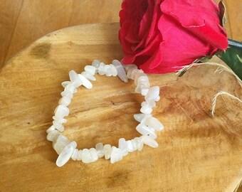 Bracelet: genuine Moonstone