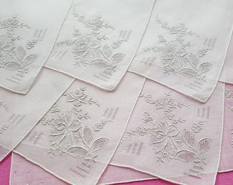 Set of 8 handkerchiefs in batiste embroidered flowers and day ref 12849
