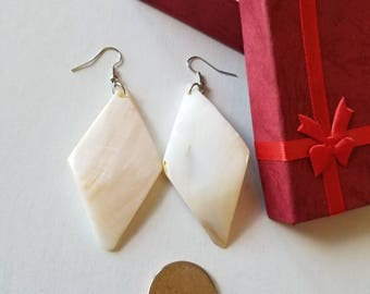 Natural Mother of Pearl shell earrings